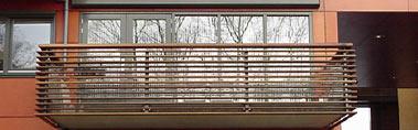 maatwerk balkonhek glashek houten sierregels
